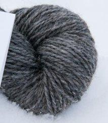 Mellomgrått totråds garn av grå trøndersau. 130 NOK